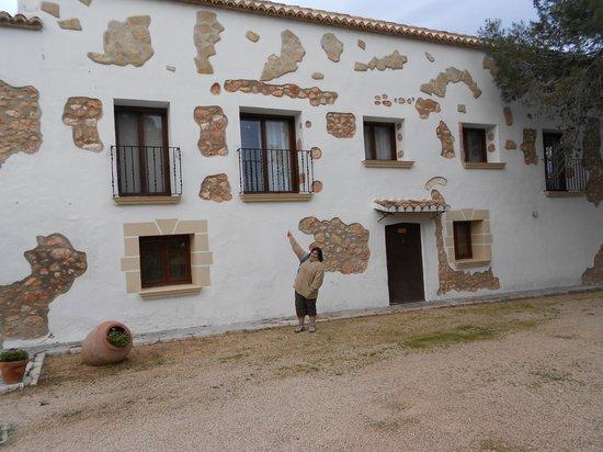 Hotel Rural San Isidro: Fachada izquierda del hotel