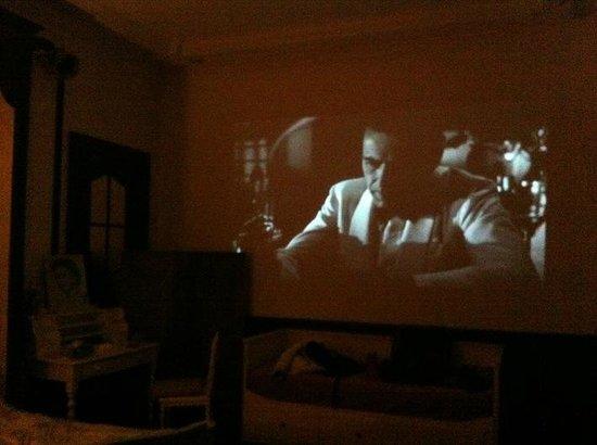 Au Paravent : Casablanca on the home cinema...