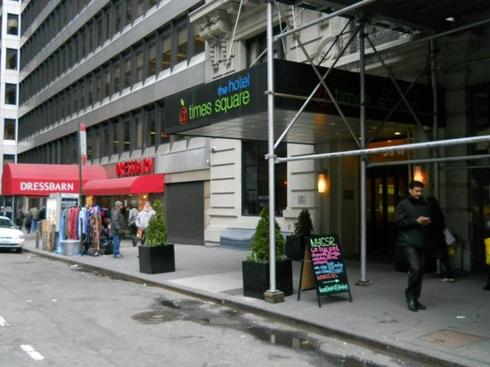 The Hotel at Times Square: Front entrance contruction next door is over