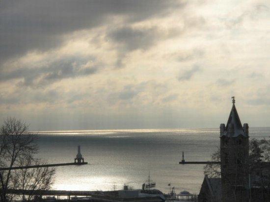 Port Washington Inn: One of Lake Michigan's endless moods