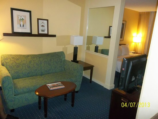 SpringHill Suites Savannah Midtown: pull out sofa