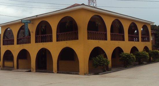 Hotel Rurrenabaque: Panoramica del hotel