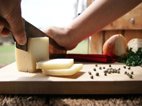Qilqay S.A.: Preparando una picada