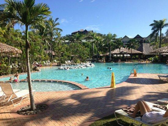 Outrigger Fiji Beach Resort: Large pool area