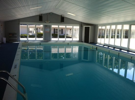 Parkers River Resort: Indoor Heated Pool