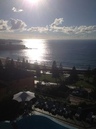 Crowne Plaza Hotel Coogee Beach - Sydney: from our balcony on the fifth floor. Great view.