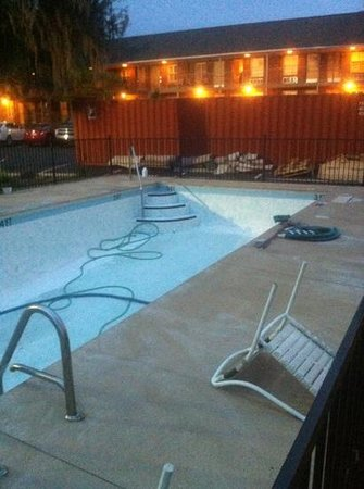 Creekside Lands Inn: the pool and view- looks lovely by security lights!