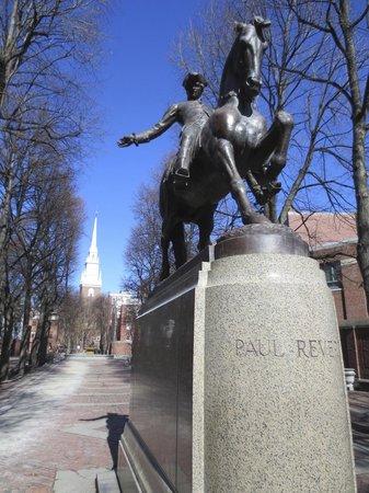 Statue of Paul Revere : Paul Revere Statue