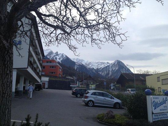 Hotel Restaurant Meierhof: Hotel and parking