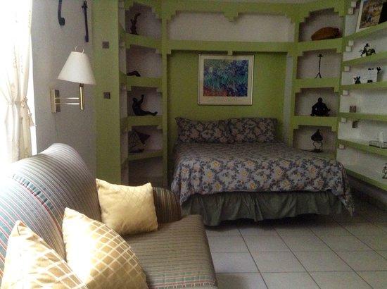 Posada Colibri: Piano Room