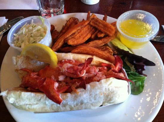 Barking Crab : Naked lobster roll. YUMMY!!!