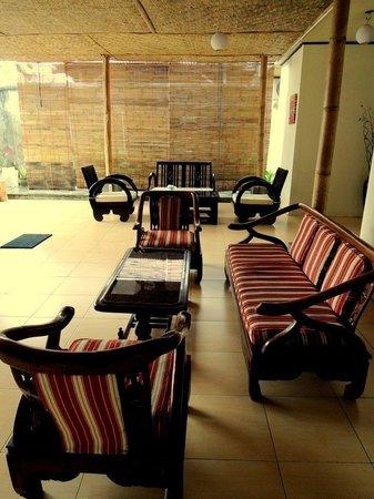 Pesona Artha Hostel: Ruangan santai yang nyaman...