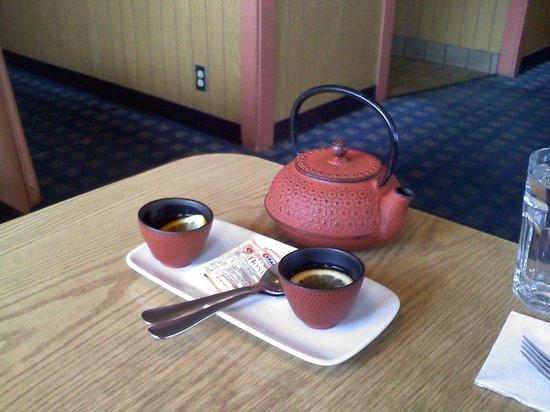 Ta Ra Rin : Tea kettles