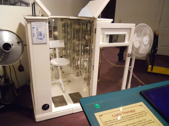 Dr. John Harvey Kellogg Discovery Center: The Electric Light Bath Cabinet