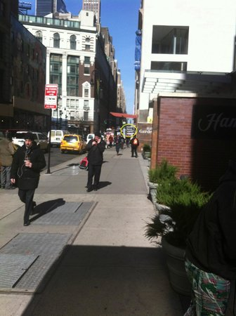 Hampton Inn Manhattan-35th St/Empire State Bldg: subway station so convenient