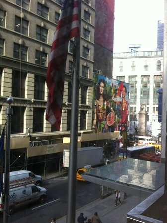 Hampton Inn Manhattan-35th St/Empire State Bldg: view of macys (white building) from room