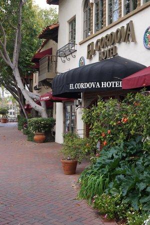 El Cordova Hotel: Front entrance