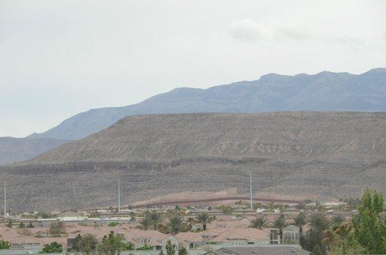 Hampton Inn & Suites Las Vegas-Red Rock/Summerlin : Beautiful Scenic Mountains