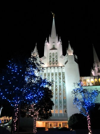 San Diego Mormon Temple: Christmas lights add to the overall beauty of the LDS Temple