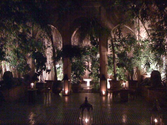 Dar Yacout: Inside the entrance to restaurant
