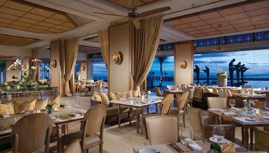 Mulia Resort: Soleil Seaside Restaurant