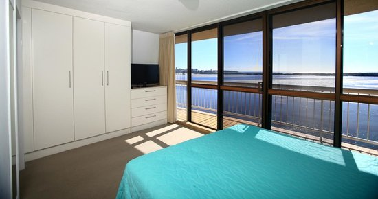 Gemini Resort: Master Bedroom in a three bedroom apartment