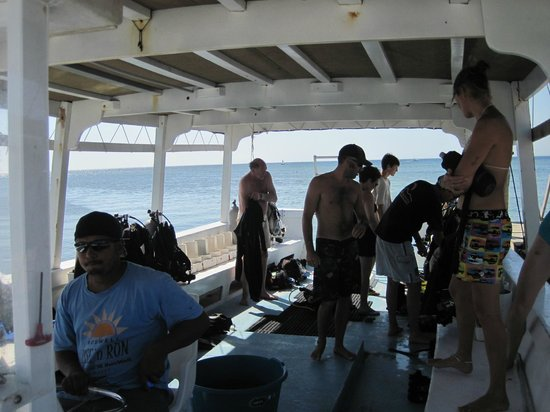 West End Divers: Aboard the Delfin a great dive boat