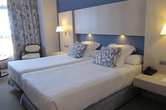 Hotel Nuevo Boston: Our room