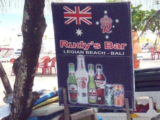 The Jayakarta Bali Beach Resort: rudy,s bar on the beach