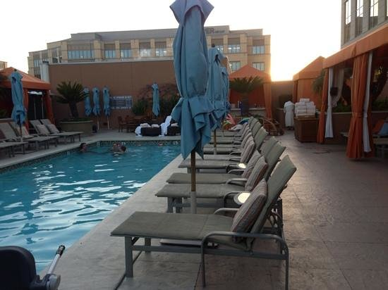 Four Seasons Hotel Silicon Valley at East Palo Alto: Heated Salt water pool