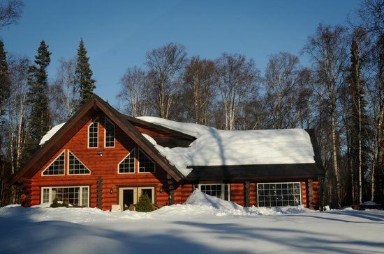 Meandering Moose Lodging: The Main House and Living Area
