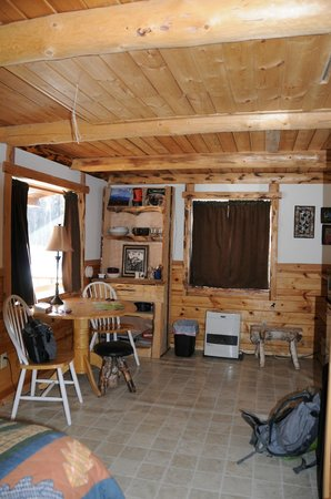 Meandering Moose Lodging: Inside Munchin Moose Cabin