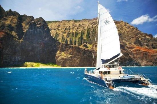 Capt Andy's Sailing Adventures : Kalalau valley.  The cathedral of the Na Pali Coast.