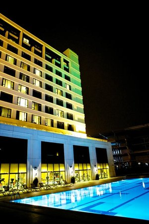 The Green Park Pendik Hotel & Convention Center: night view