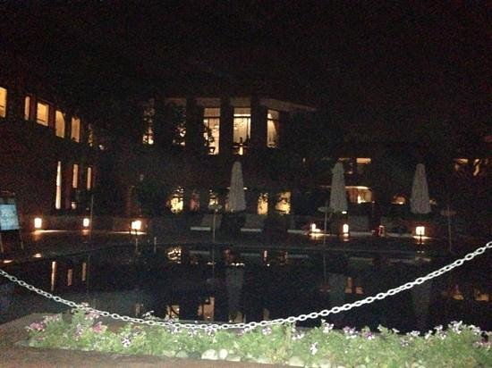 ITC Mughal, Agra: pool area