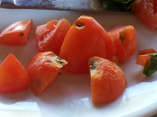 Caffe Buongiorno: Wrinkly tomato ends and tomato with black rotten spots