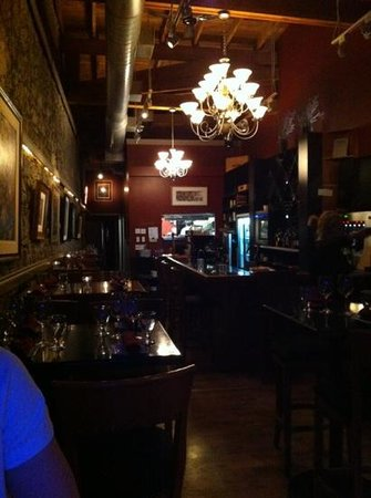 The Rotten Grape: Cozy ambience.