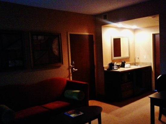 Embassy Suites Huntsville by Hilton Hotel & Spa: Embassy Suite Area