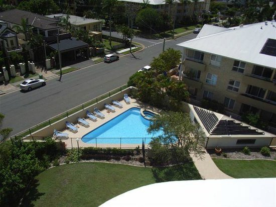 Spectrum Holiday Apartments: Outdoor pool from balcony