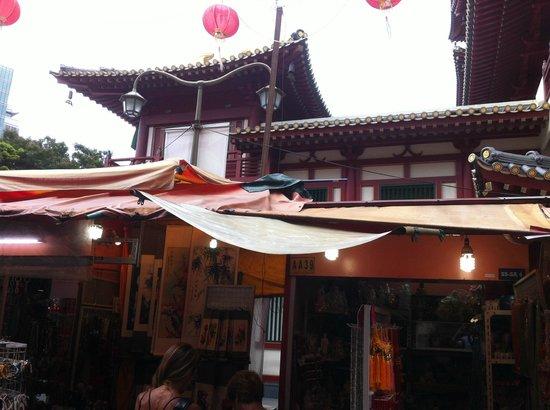 Chinatown Street Market: stalls through the market