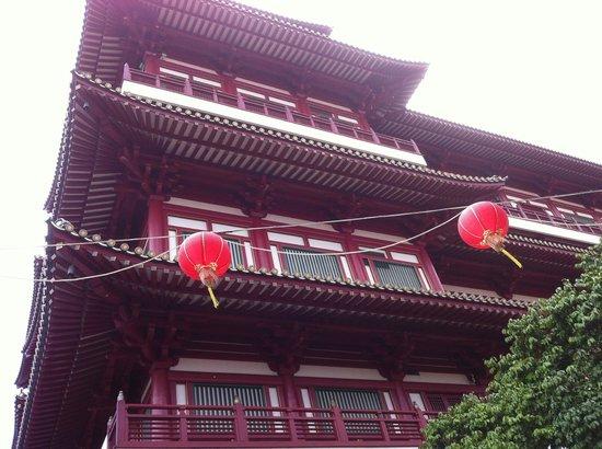 Chinatown Street Market: through the market