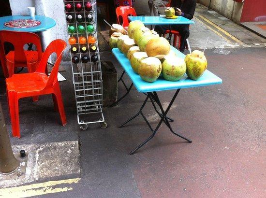 Chinatown Street Market: fruit shops