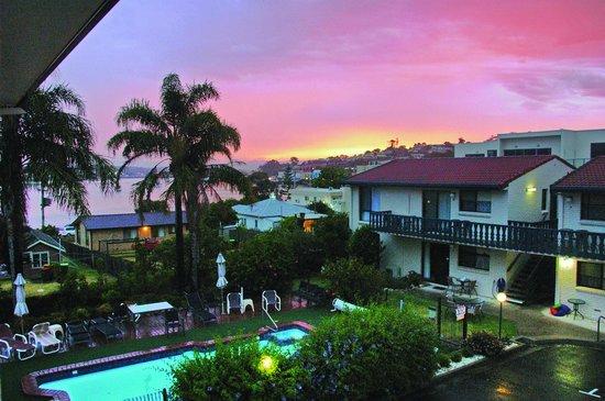 Capri Apartments Merimbula: Sunset from Capri Apartments