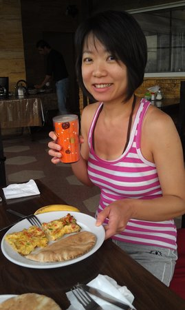 Arab Tower Hotel: had breakfast at the terrace