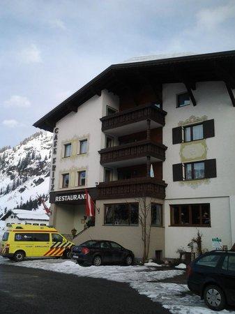 het hotel op loopafstand van de hoofdstraat
