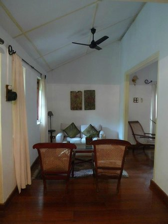 The Havelock Place Bungalow: adjoining living room