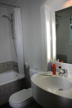 Gulf Oasis Hotel Apartments: bathroom