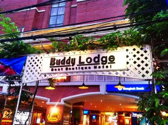 Buddy Lodge Hotel: Buddy Lodge Sign