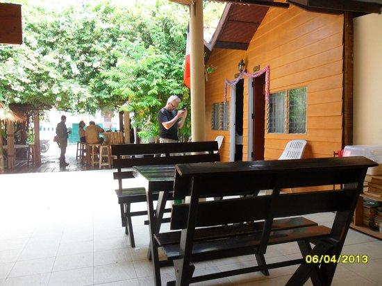 Chiangmai Moli Boutique Hostel: espace déjeuner et conivialité