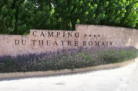 Camping du Theatre Romain : entrée